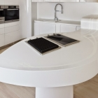 cocina-blanca-de-hi-macs-bucharest-03